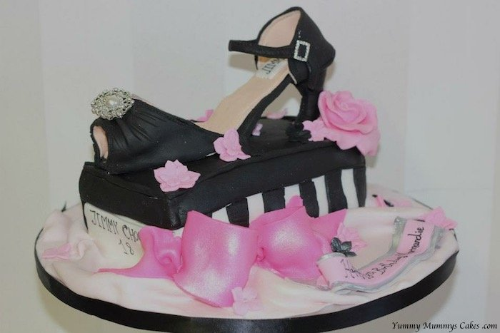 Superb Ladies Birthday Cake Yummy Mummys Cakes Cakes For All Occasions Personalised Birthday Cards Veneteletsinfo